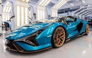 L'immagine mostra la Lamborghini Sián Roadster